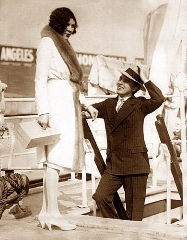 Свадьба состоялась 26 ноября 1924 года, на тот момент Лите было всего 16 лет. В связи с этим, чтобы избежать проблем с законодательством Соединенных Штатов Америки, Чаплин женился на девушке за пределами США - в Мексике.