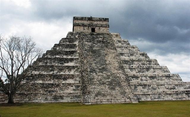 Нигде на территории Америки такого более никто не находил. Первую гробницу Монте-Альбана археологи обнаружили осенью 1931 года.