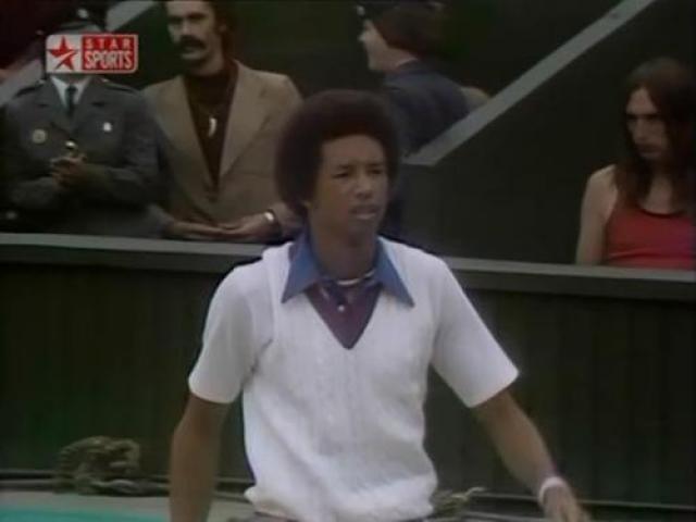 Артур Эш В 1993 году погиб от СПИДа знаменитый теннисист Артур Эш, первый афроамериканец, выигравший чемпионат США. Вероятно, заражение ВИЧ-инфекцией произошло во время переливания крови, когда ему в 1983 году делали операцию на сердце.