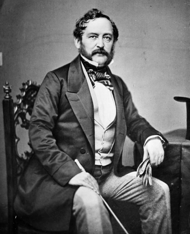Через три месяца российский посол в США барон Эдуард Стекль обратился с предложением о продаже Аляски к американскому государственному секретарю Уильяму Сьюарду.