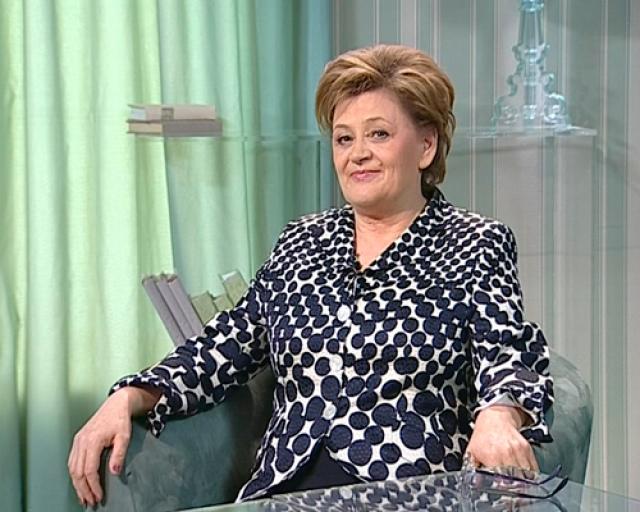 В середине 1990-х сменился главный режиссер Театра комедии им. Н. П. Акимова - пришла Татьяна Казакова, у которой были свои планы, и Демьяненко в них почему-то не входил.