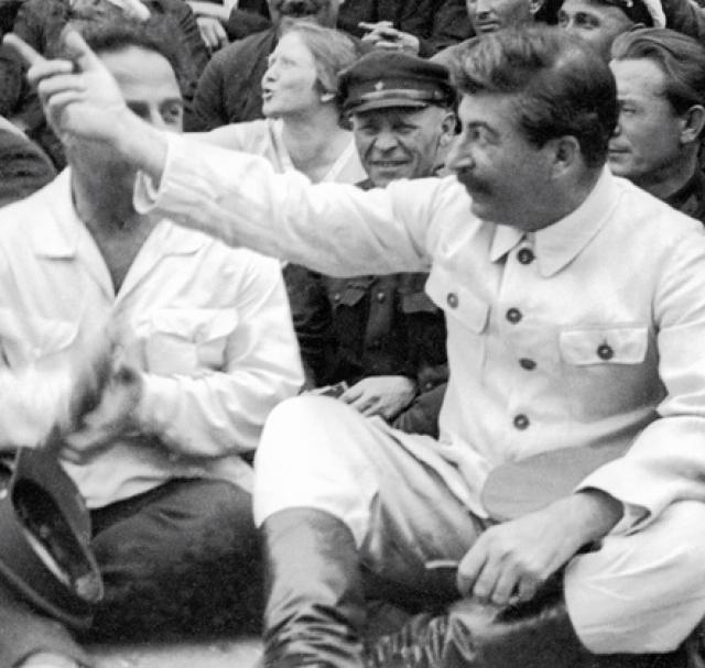 """На полном сексуальной бдительности письме Ягоды Сталин поставил резолюцию: """"Надо примерно наказать мерзавцев, а в законодательство ввести соответствующее руководящее постановление""""."""