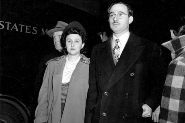 Представленные свидетельства вины супружеской пары были неоспоримы.