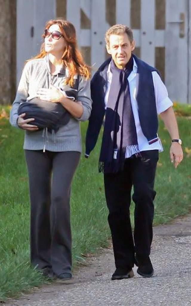 19 октября 2011 года Карла Бруни родила дочь Джулию.