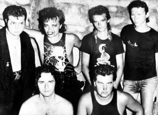 """""""Алиса"""" - одна из самых влиятельных групп русского рока образовалась в 1983 году в Ленинграде. Совсем недавно Константин Кинчев был госпитализирован с инфарктом , так что пожелаем ему здоровья!"""