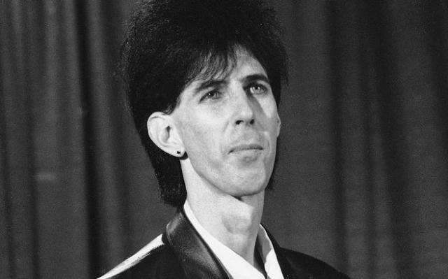 Рик Окасек. Лидер, вокалист, ритм-гитарист группы The Cars также из тех, нестандартная внешность которого не стала помехой.
