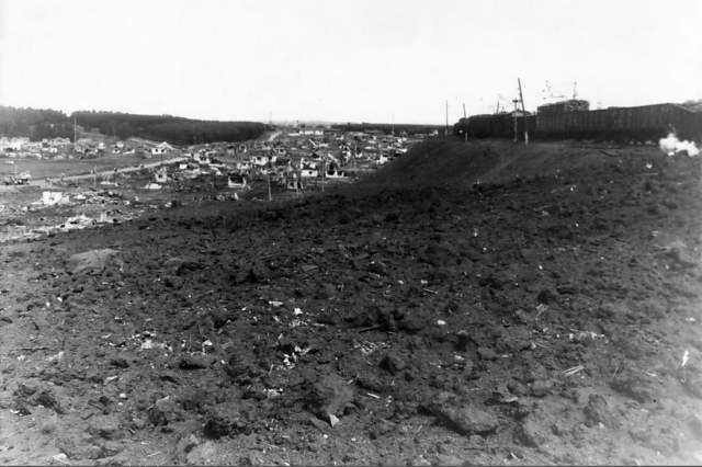 Взрыв в Арзамасе - один из самых обсуждаемых сюжетов среди рускоязычных любителей теорий заговора. Например, обсуждая трагедию, многие упоминают то, что он произошел на 232-м километре железнодорожного перегона в 9:32.