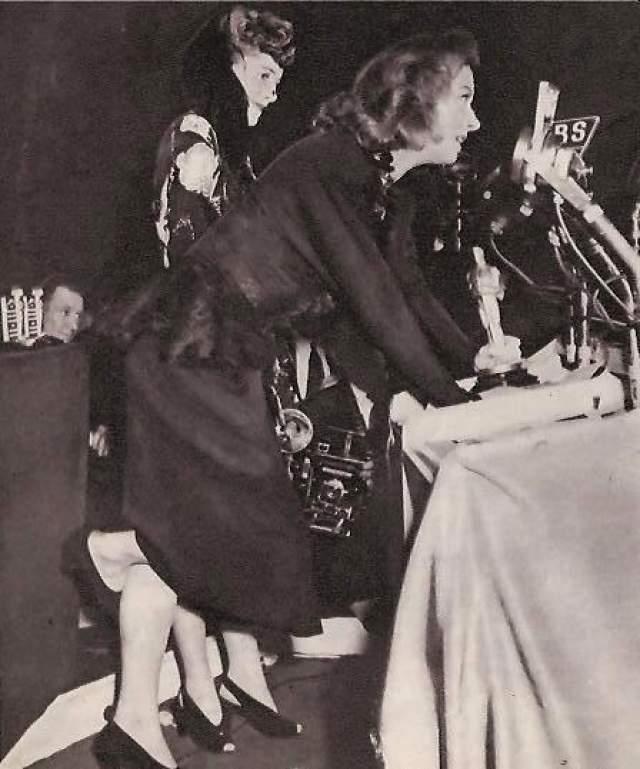 """Актриса Грир Гарсон , вышедшая в 1943 году на сцену получать """"Оскара"""", стояла перед микрофоном молча несколько минут, а потом, наконец, сказала: """"Я почти не готовилась...."""". Ее выступление было одним из самых долгих в истории."""