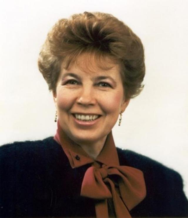 """Она руководила работой фонда """"Помощь детям Чернобыля"""" и курировала работу благотворительного фонда """"Гематологи мира - детям"""". В 1987 году по версии британского издания Woman's Own она была названа Женщиной года."""