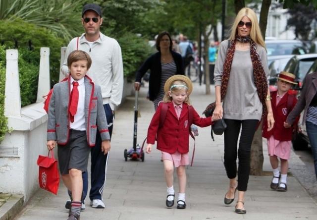 Сейчас у Мэтью и Клаудии трое детей – дочери Клементина и Козима и сын Каспар.