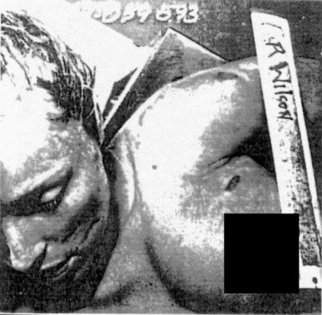 Перент был убит четырьмя пулями в своем автомобиле - по-видимому, в тот самый момент, когда он готовился уехать. У Фриковского была пуля в спине, тринадцать проломов в черепе и пятьдесят одна ножевая рана . На теле Фолгер эксперты насчитали двадцать одну ножевую рану. Шэрон Тейт, изрезанная ножом до неузнаваемости, лежала на полу своей комнаты.