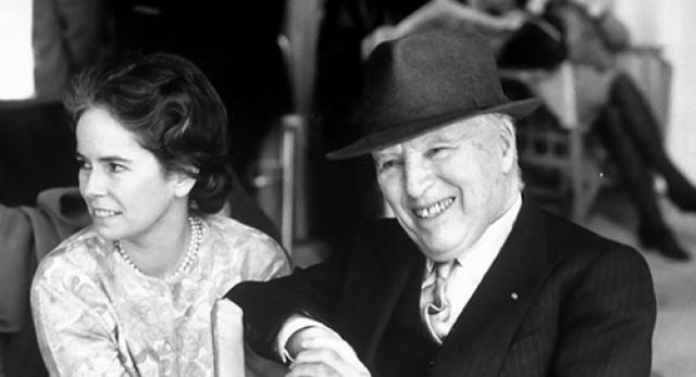 Хотя Чарли тогда было уже за пятьдесят, ни возраст жениха, ни его маленький рост не смущали Уну. Она бросила карьеру актрисы ради того, чтобы посвятить себя семье.