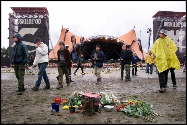 На месте трагедии установили мемориал, а вокруг него посадили девять деревьев. Многие журналисты обвиняли в инциденте группу.