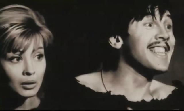 Валерий Золотухин. Знаменитый актер был официально женат только два раза. Его первой женой была одна из самых красивых актрис советского театра и кино Нина Шацкая, впоследствии ставшая супругой Леонида Филатова.