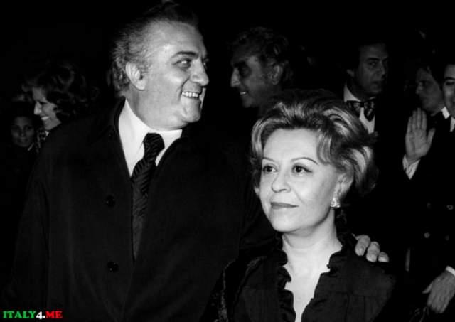 Джульетта Мазина Джульетта Мазина - знаменитая актриса кино и театра. В 1950-х Мазина была замечена сразу в нескольких картинах, которые получили самые высокие награды. Стоит отметить, что большая их часть была снята Федерико Феллини, мужем Джульетты.