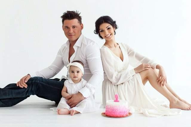 В 2014 году Розалия родила супругу дочь Алису.