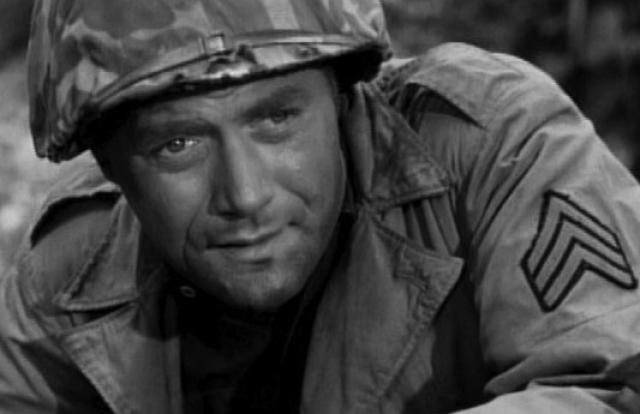 """Вик Морроу. Актер широко известен своими ролями в таких фильмах, как """"Грязная Мэри, сумасшедший Ларри"""", """"Несносные медведи"""", телесериал """"Ангелы Чарли""""."""