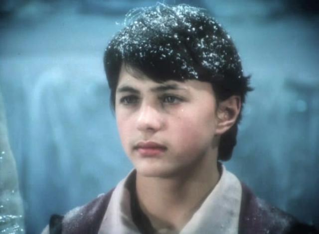 """Ян Пузыревский. В 1986 году 16-летний актер проснулся знаменитым, после того, как исполнил роль Кая в фильме """"Тайна Снежной королевы"""". Через год он женился на однокласснице Людмиле."""