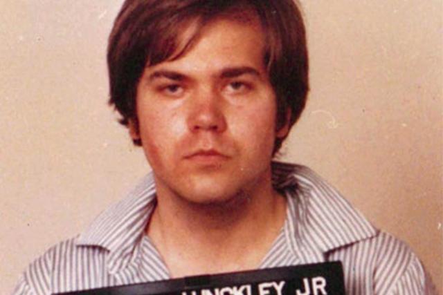 Ради внимания кумира. Знаменитое покушение на убийство бывшего президента США Рональда Рейгана было результатом того, что Джон Хинкли-младший был одержим актрисой Джоди Фостер.