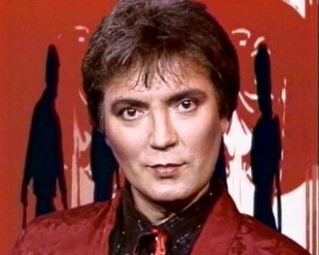"""Fancy. Настоящая популярность пришла к певцу поздно - в 38 лет. В 1984 году он выпускает свой первый сингл - """"Slice Me Nice"""". Песня имела успех, и далее последовали новые хиты, такие, как """"Chinese Eyes"""", """"Bolero (Hold Me In Your Arms Again)"""", """"Lady Of Ice"""", """"Colder Than Ice""""…"""