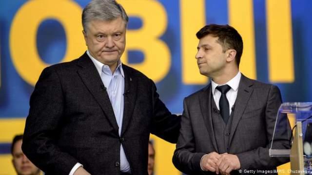 19 апреля состоялись дебаты между Зеленский и действующим президентом Украины - Петром Порошенко. Дебаты были признаны провальными со стороны Порошенко и его сторонников.