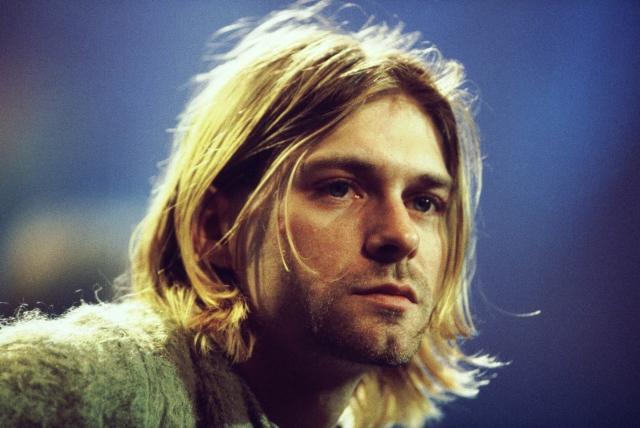 """Кypт Кoбейн. Фронтмен культовой группы """"Nirvana"""" - символ тогдашнего поколения X, привлекавший девушек ангельской внешностью в сочетании с """"помятостью"""" и депрессивно-бунтарскими настроениями."""