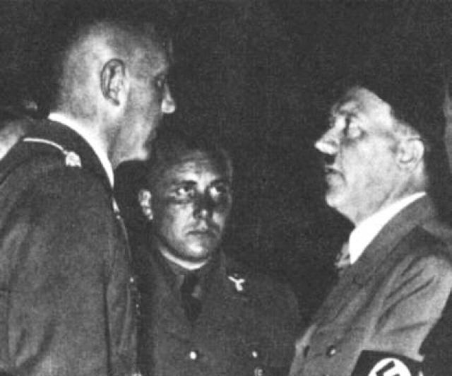 """После исчезновения Бормана в Берлине 1 мая 1945 года, его личность стала обрастать самыми невероятными мифами. Высказываются предположения, что Борман был самым успешным советским шпионом, был вывезен британскими спецслужбами в Лондон и наконец сбежал на подлодке в Южную Америку, прихватив с собой все """"золото партии""""."""