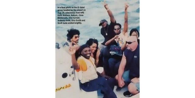 Алия. R&B певица садится в лодку, которая доставит ее к самолету, авария которого прервет ее жизнь на 23 году.