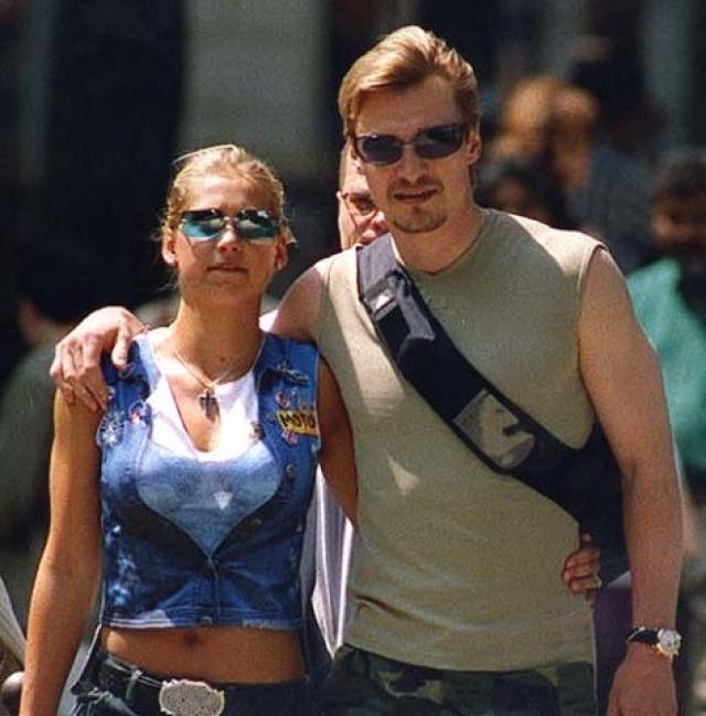 В 2001 году таблоиды сообщили громкую новость: после расставания с Буре, в августе того же года Анна вышла замуж за Федорова.