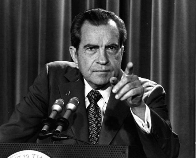 Ричард Никсон. Бывший президент США страдал нозокомифобией – страхом больниц: ему казалось, что попадание в больничную палату станет для него роковым, и он никогда не выйдет оттуда.