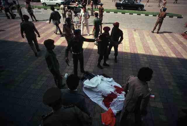 Правда, ответственность за теракт взяло на себя одно из бандформирований Ливии, а племянник убитого президента подозревал в покушении США и Израиль.
