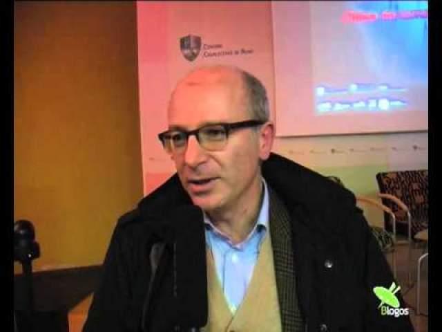 Его сын, Бернардо Джорджо Маттарелла, самый молодой профессор Сьенского университета, который также возглавляет законодательное бюро в аппарате министра государственной службы.