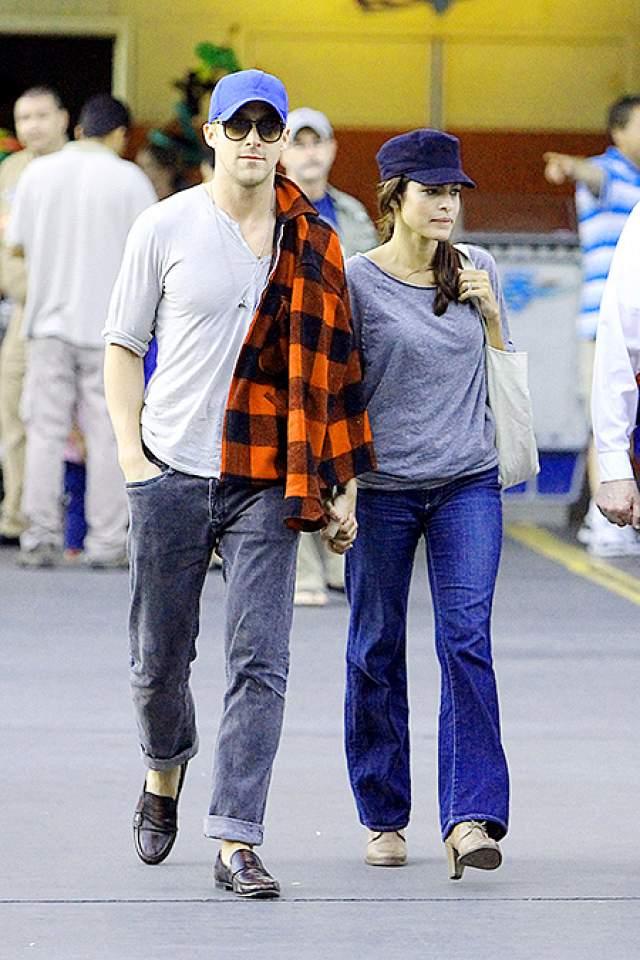 """Впервые их заметили вместе на прогулке в """"Диснейленде"""". И через несколько месяцев Райан познакомил свою возлюбленную с мамой, показав таким образом, что у них все серьезно."""