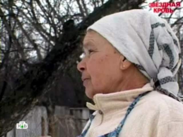 Мама Данилко, Светлана Ивановна живет в селе Клименко под Полтавой. По ее словам, сын стесняется бедности своей семьи и не желает с ними контактировать или оказывать финансовую помощь.