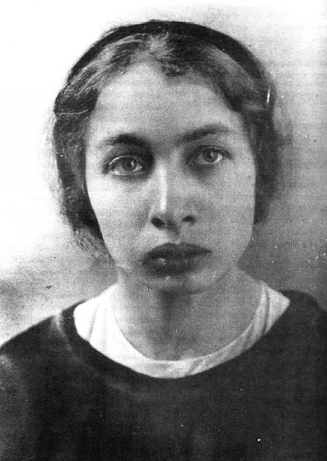 Каплан была арестована тут же, на трамвайной остановке на Большой Серпуховской улице. Арестовавшему ее рабочему Н. Иванову она заявила, что стреляла в Ленина.