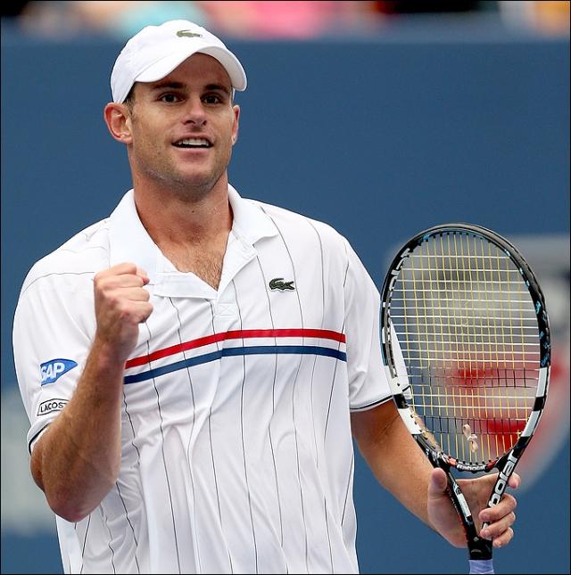 Энди Роддик. Известный теннисист боится пасхального кролика. На приеме, посвященном Кубку Дэвиса в 2002 году, Энди начал паниковать при виде обыкновенного кролика.