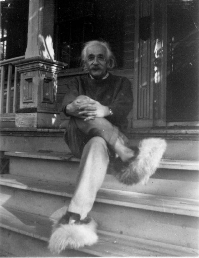 """Альберт Эйнштейн. Ученый говорил """"я"""" и не разрешал никому произносить """"мы"""". Его близкий друг лишь раз видел невозмутимого Эйнштейна в ярости, когда жена произнесла запретное """"мы""""."""