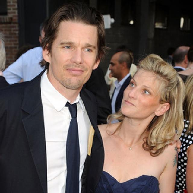 Итан и Райан поженились в 2008 году, при этом невеста была уже на седьмом месяце беременности. В 2011-м у пары родилась еще одна девочка - Индиана.