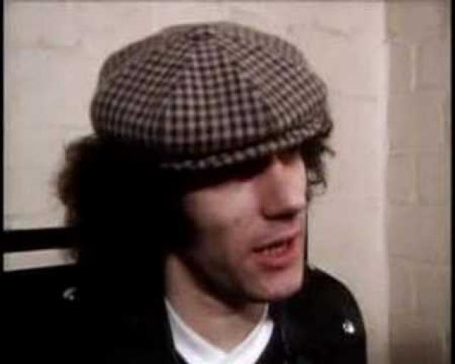 Один американский фанат AC/DC из Чикаго услышал вокал Брайана и решил, что такой певец отлично подойдет группе, лишившейся вокалиста, и он послал альбом Geordie в менеджерское агентство Leber & Krebbs.