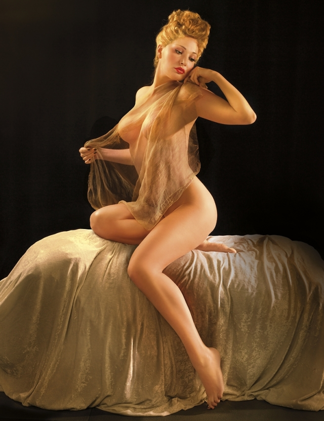 Знаменитая оперная исполнительница отметилась в довольно смелой фотосессии.