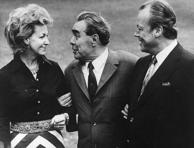 Кроме того, в 1977 и 1978 годах у КГБ были сведения о том, что готовились покушения на Брежнева во время его визитов во Францию и в ФРГ. Их удалось не допустить, и визиты прошли спокойно.