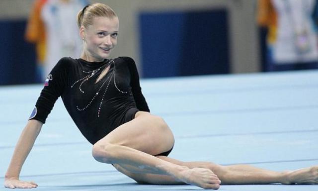 Светлана Хоркина. Российская гимнастка, двукратная олимпийская чемпионка в упражнениях на брусьях, девятикратная чемпионка мира, в том числе трижды в абсолютном первенстве и пять раз в упражнениях на брусьях, и 13-кратная чемпионка Европы.