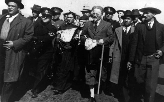 Сталинские разведчики внимательно следили за политиком и внедряли агентов в его окружение.
