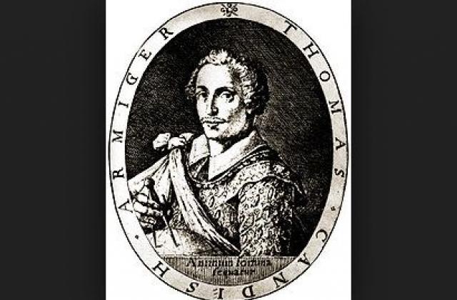 22 июля 1586 года Томас в поисках легких денег и славы во главе собственной флотилии отправился из Плимута в Сьерра-Леоне. Экспедиция ставила целью найти новые острова, изучить ветра и течения, параллельно грабя встречные суда.
