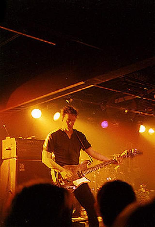 Барабанщик Билли Конвей даже не сразу понял, что произошло, — они отыграли половину песни, и он решил, что Марк присел, чтобы поправить что-то на амплифаере. Находившийся рядом врач сделать уже ничего не мог. Марку Сэндмену было 47 лет.