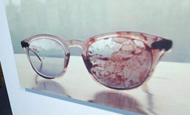 Леннон скончался от потери крови в госпитале Рузвельта. На фото: очки, которые были на Джоне Ленноне в момент убийства