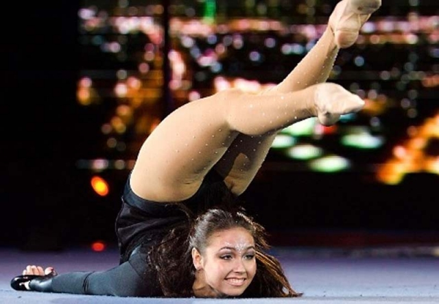 Ляйсан Утяшева. Знаменитая гимнастка, заслуженный мастер спорта по художественной гимнастике, неоднократная победительница российских и международных соревнований, чемпионка мира и просто красавица.
