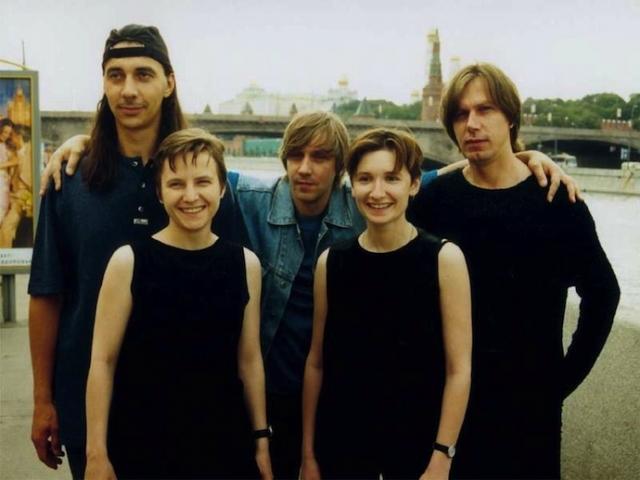 """Группа """"Ночные снайперы"""" основана в 1993 году Дианой Арбениной и Светланой Сургановой."""