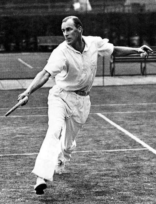 47. Билл Тильден, умер в 1953 году в возрасте 60 лет, теннисист Нарушение закона: совращение несовершеннолетних