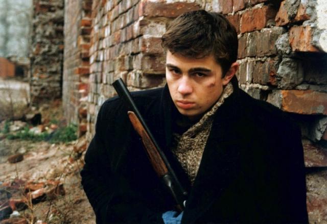 """Сергей Бодров. В 2002 году всеми любимый исполнитель роли Данилы Багрова в фильмах """"Брат"""" пропал вместе со съемочной группой в горах Кавказа, где снимал свой очередной фильм."""